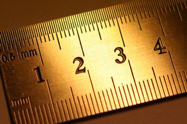 Ist2_2974880-ruler