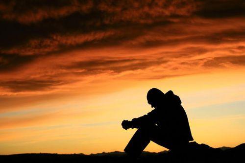 Silhouette_at_sunset-sad_117120037_std