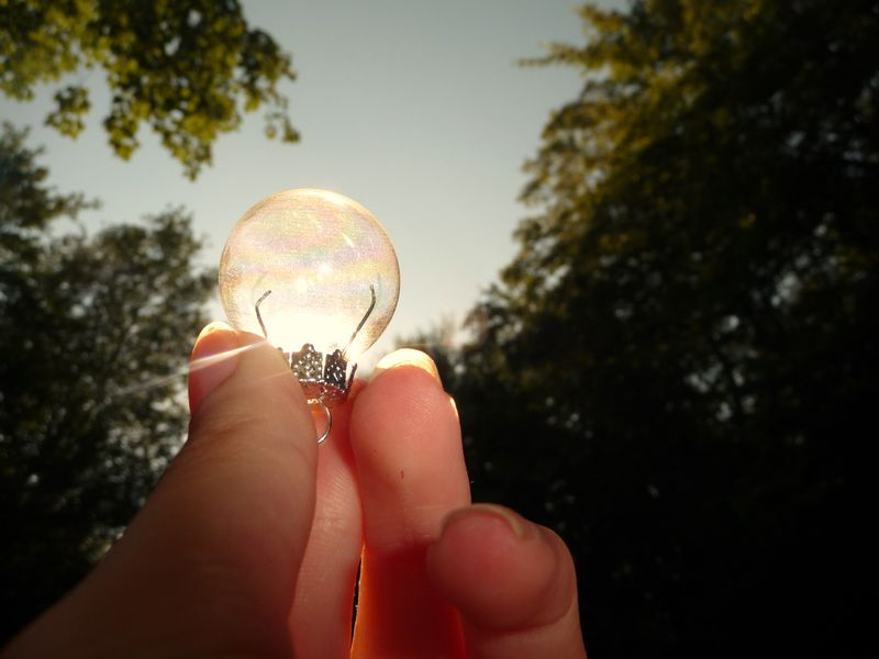 Lightbulb_Idea_by_H_Everybody_Lies__MD